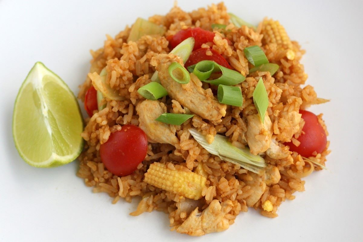 stegte ris med grøntsager thai