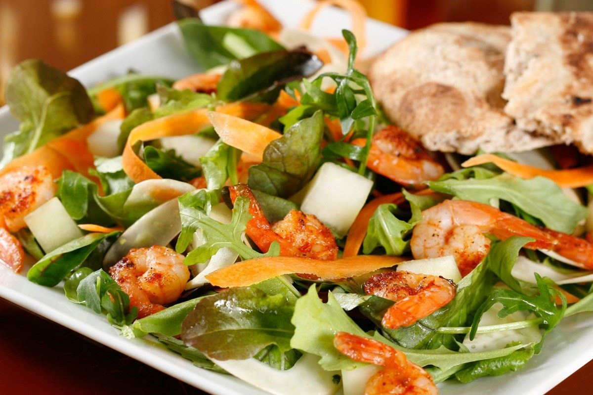 Salat Med Chilimarinerede Rejer Madopskrifternu