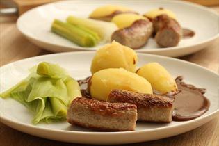 Medisterpølse med sauce og kartofler