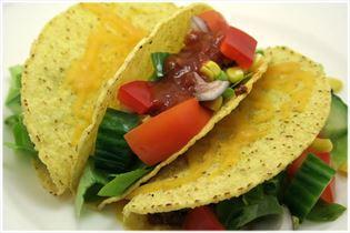 Taco med oksekød og salat