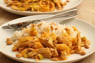 Koteletter med karrypasta og ris