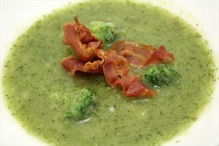 Broccolisuppe med bacon