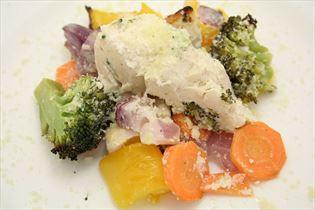 Yoghurtmarineret kylling med grønsager