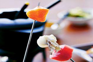 Hvidvinsfondue med fisk og skaldyr