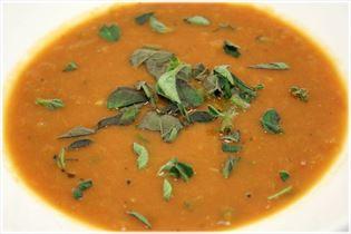 Cremet tomatsuppe