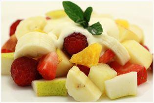 Frisk Frugt med råcreme