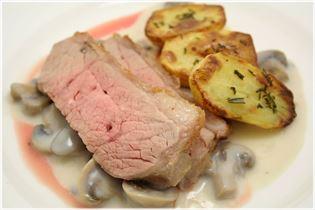 Kalvecuvette med kartofler og champignonsauce