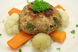 Persillekarbonader med blomkål og kartofler