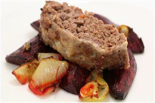 Chili farsbrød med ovnbagte rødbeder og løg