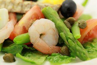 Salade nicoise med rejer