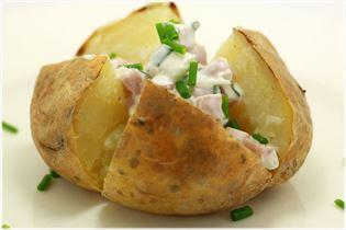 Bagekartoffel med skinkefyld