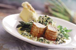 Grillstegt Mørbrad Royal med grillet asparges