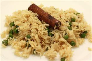 Krydrede ris med kanel og nellike