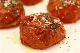 Langtidsbagte tomater med basilikum