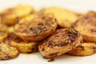 Sprøde ovnkartofler med oregano og paprika