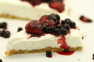 Cheesecake med blandet bær