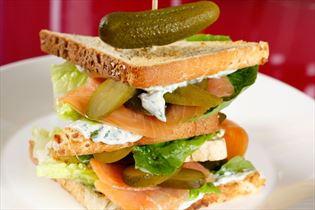 Club sandwich med laks