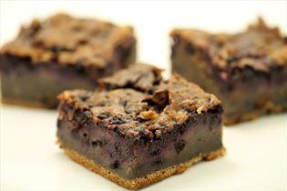 Blåbærkage med mørk chokolade