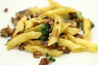 Pasta gorgonzola med bacon og valnødder
