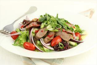 Thailandsk salat med oksekød