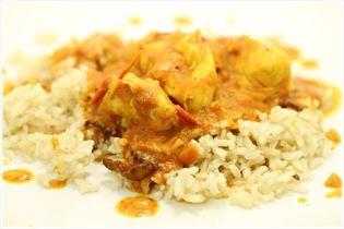 Kylling i tomat flødesovs med brune ris