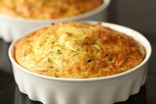 Æggekage med squash og ost