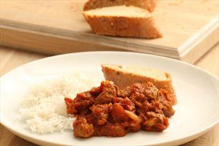 Nem lammecurry med ris og brød