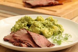 Grillet roastbeef med avocadokartoffelsalat
