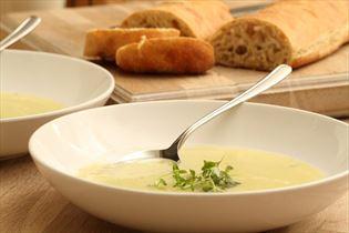 Persillerodssuppe med porre og kartoffel