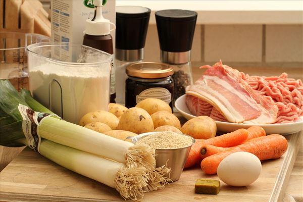 Forloren hare med kartofler og grøntsager