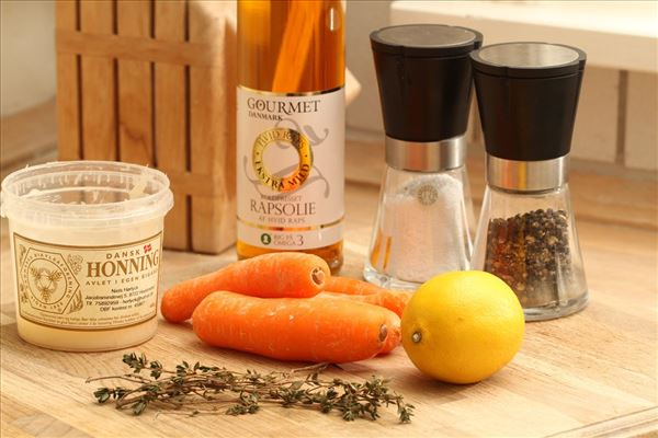Ovnbagte gulerødder med honning og timian