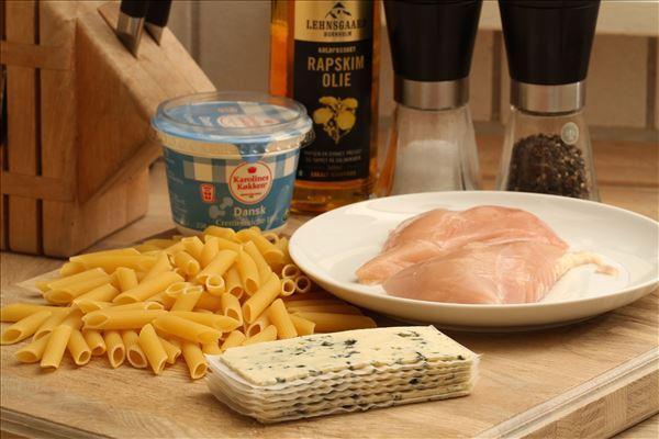 Pasta med kylling og danablue-sauce